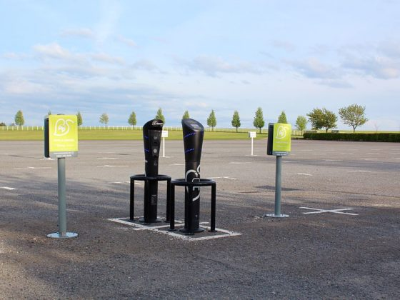 Changes to NSW planning policy could mean more EV chargers installed in carparks. Credit: Alarnsen